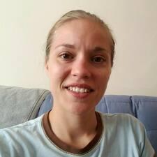 Corinne felhasználói profilja