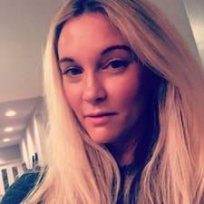 Кориснички профил на Paige