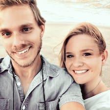 Alesia & Thomas Superhost házigazda.