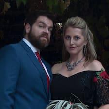 Charlotte & Adam Kullanıcı Profili