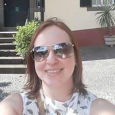 Suzeli User Profile