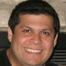 Dominick felhasználói profilja
