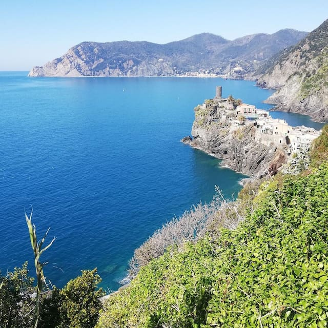 Guidebook for Vernazza