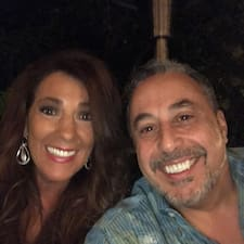 Sal And Elizabeth felhasználói profilja