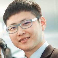 Albert felhasználói profilja