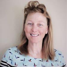 További információk Nicole házigazdával kapcsolatban