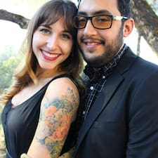 Obtén más información sobre Mario And Bridget