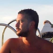 Dowiedz się więcej o gospodarzu Marcus Vinicius