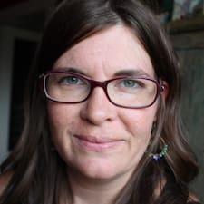 Suzanne L. User Profile