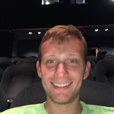 Thad. felhasználói profilja