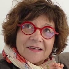 Françoise est un Superhost.