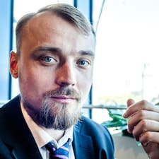 Роман felhasználói profilja