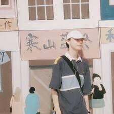 Профиль пользователя 思亦