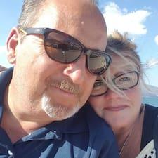 โพรไฟล์ผู้ใช้ Larry And Donna
