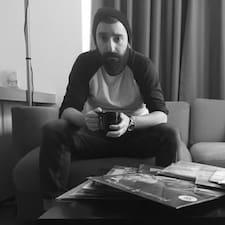 Zjisti více o hostiteli Murat Can
