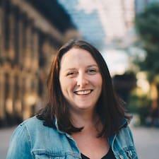 Claire felhasználói profilja