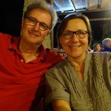 Simone & Harald is a superhost.