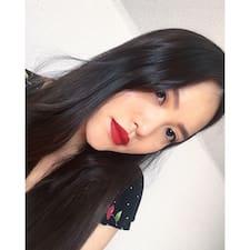 Chloe Tue Linh Kullanıcı Profili