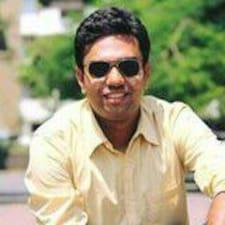 Suyash felhasználói profilja