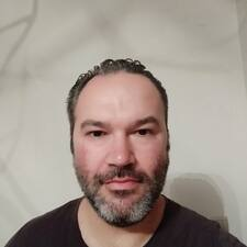 Dimitrios的用戶個人資料