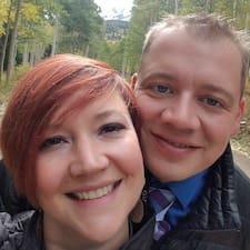 Elizabeth And Adam felhasználói profilja