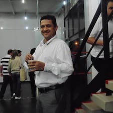 Profil Pengguna Isaias