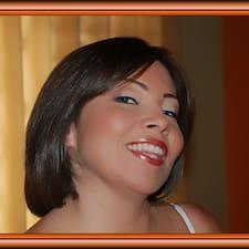 Gloria Janette es SuperAnfitrión.