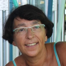 โพรไฟล์ผู้ใช้ Danièle