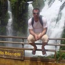 João Gustavo님의 사용자 프로필
