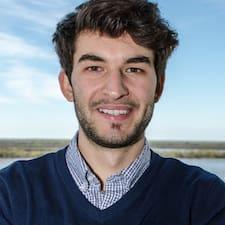 Tomás felhasználói profilja