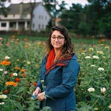 Elizabeth felhasználói profilja