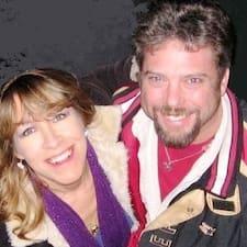 Profil korisnika Chrissy & Steve