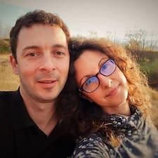 Profil Pengguna Maria & Georgi