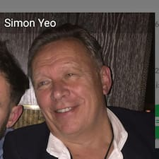 Simon – супергосподар.