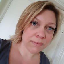 Profil Pengguna Louise