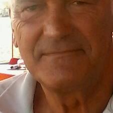 โพรไฟล์ผู้ใช้ Jean-Pierre