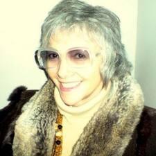 Delia Brugerprofil
