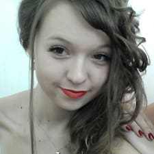 Lenka felhasználói profilja