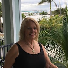 Profil korisnika Michael & Carolyn