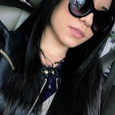 Thais Caroline User Profile