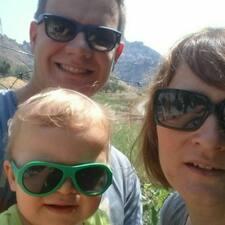 Emilie, Sylvain & Noah User Profile