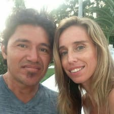 Nutzerprofil von Carlos & Ruthanna