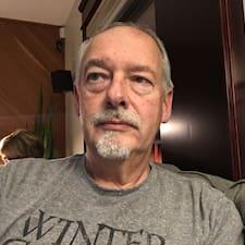 Arnie felhasználói profilja