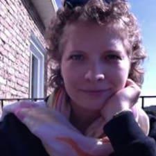 Profil Pengguna Laury-Ann