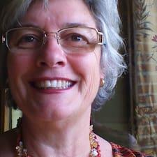További információk Carol-Ann házigazdával kapcsolatban