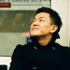 Hiroaki felhasználói profilja