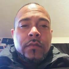 Everett felhasználói profilja