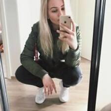 Roosa User Profile