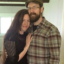 Melina + Jim的用戶個人資料