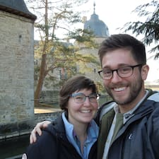 โพรไฟล์ผู้ใช้ Julie & Tyler